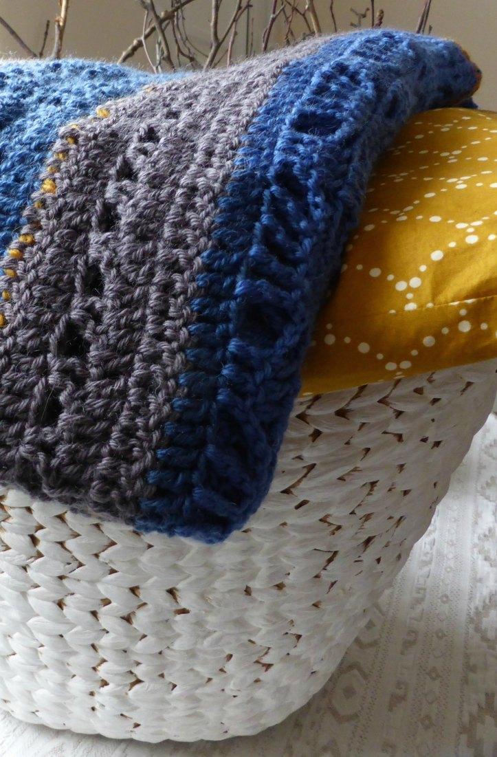 blanket_fold